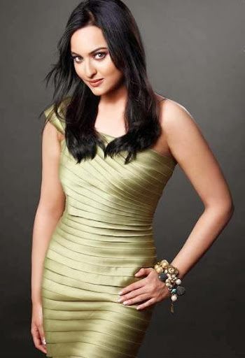 Sonakshi Sinha Cute and Lovely Wallpapers