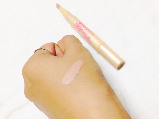 ESSENCE STAY NATURAL CONCEALER 02 SOFT SAND