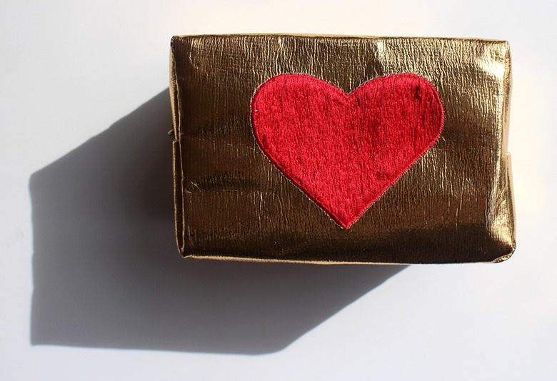 Sew-Lomax-SOS-Emergency-Kit-gold-bag-red-heart