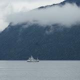 De veerboot op het Innvjik-fjord.