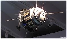 Макет автоматического космического корабля