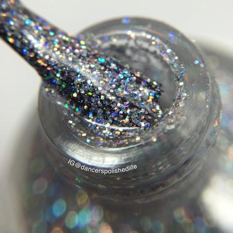 silver-holographic-micro-glitter-nail-polish
