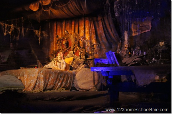 pirates of teh caribbean at disneyland is longer and better