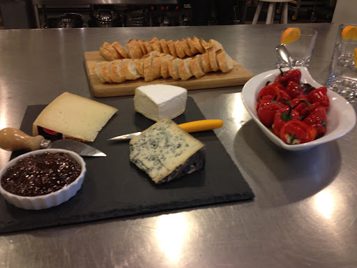 Assorted Cheeses & Bread