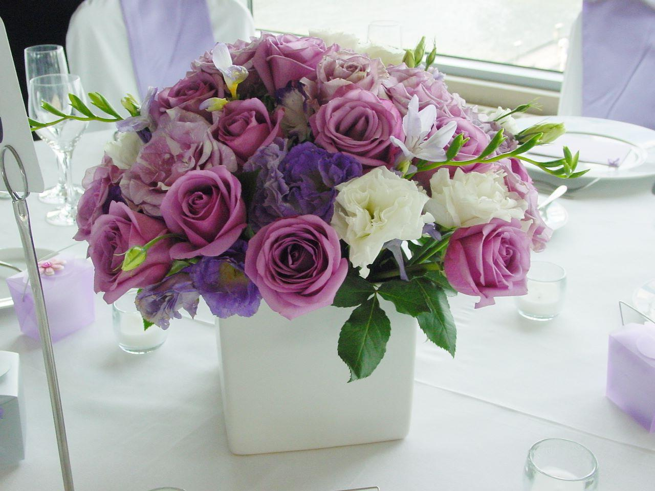 Floral arrangement for wedding