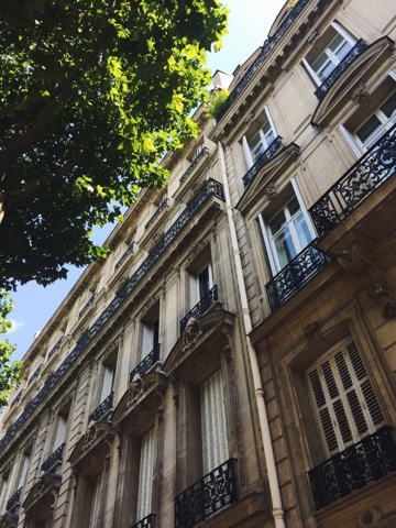 Sunshine and Paris architecture