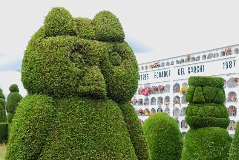 topiary-cemetery-tulcan-11