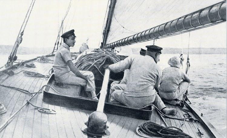 Julio de 1910. Detalle de la cubierta del HISPANIA. De la revista Chasse-Maree, numero 78.jpg