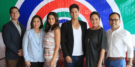 Iza Calzado and Daniel Matsunaga sign contracts with ABS-CBN