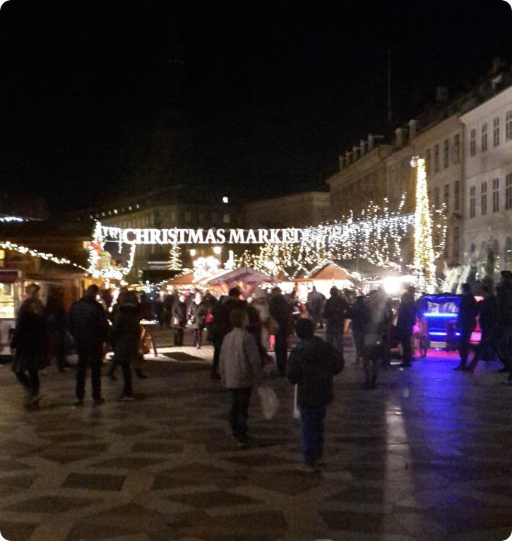 Julemarked ved storkespringvandet