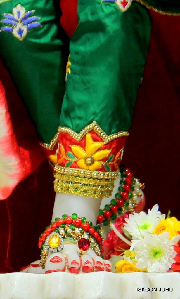 ISKCON Juhu Sringar Deity Darshan 09 Feb 16 (48)