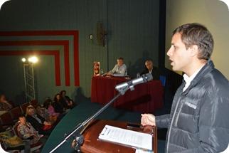 Juan Pablo de Jesús, intendente de la Municipalidad de La Costa en el Cine California de Mar de Ajó
