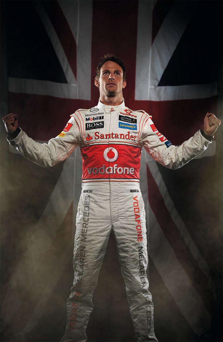 Дженсон Баттон на фоне британского флага - фотосессия из журнала F1 Racing за декабрь 2011
