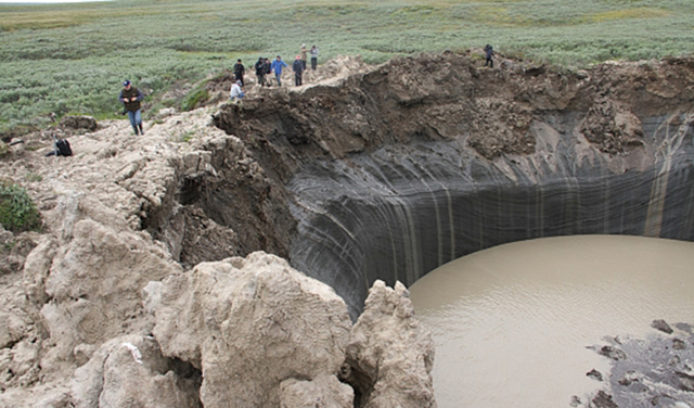 In July 2015, the mysterious hole-turned-lake in Siberia's Yamal peninsula has expanded to 50 meters in depth. Photo: RRT / правительство.янао.рф
