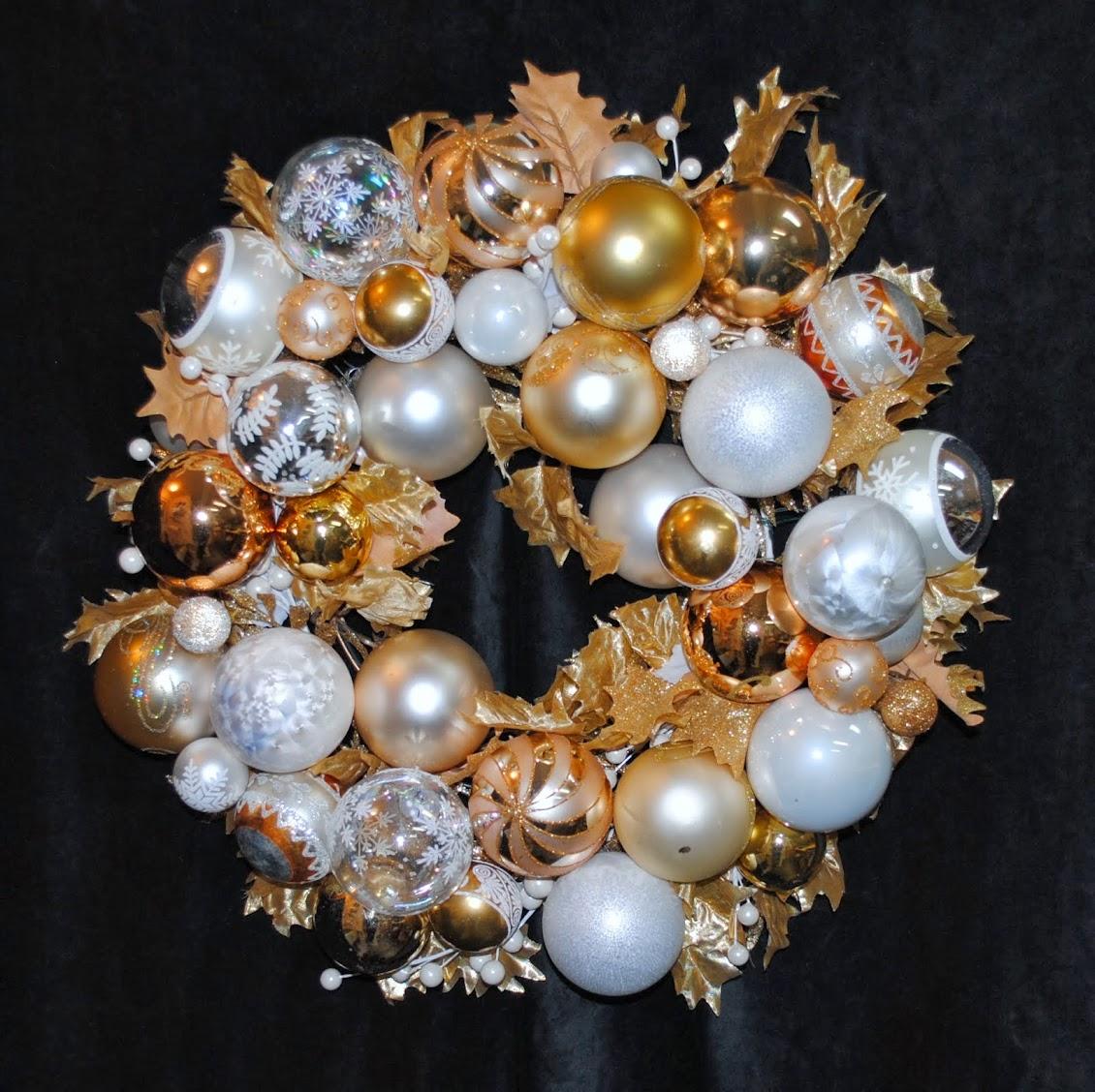 Peace & Joy Christmas Ornament Centerpiece OWR8036