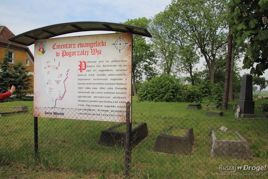 Cmentarz w Pogorzałej Wsi