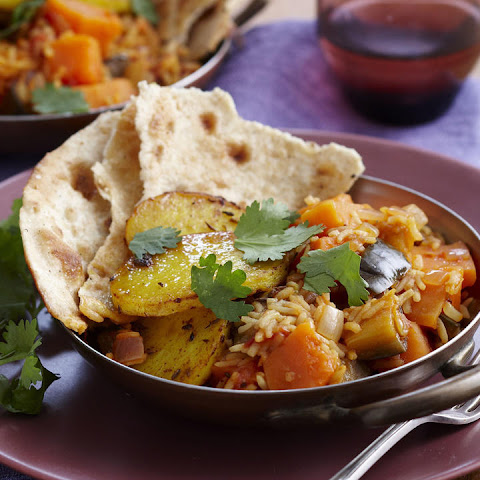 Vegetable Curry with Spiced Potatoes