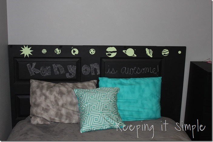 DIY-headboard-Made-from-a-door (17)