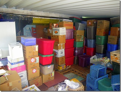carport-stuff-stored1