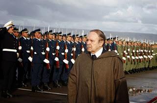 Cela s'est passé un 25 janvier 1994, Abdelaziz Bouteflika se rétracte et décline l'offre des généraux décideurs de prendre la présidence de l'État