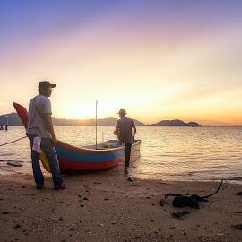 Fisherman by Ah Wei (Lung Wei) - People Street & Candids ( penang, jeti, penang island, air, clouds, samyang, malaysia, sun, seascape, george town, pulau pinang, samyang 12mm f2.8, jetty, nature, pulau aman, samyang 12mm f/2.8 ed as ncs fisheye, boats, people, george town penang, sunlight, fisheye, light, beach, sunset, fisherman, landscape )