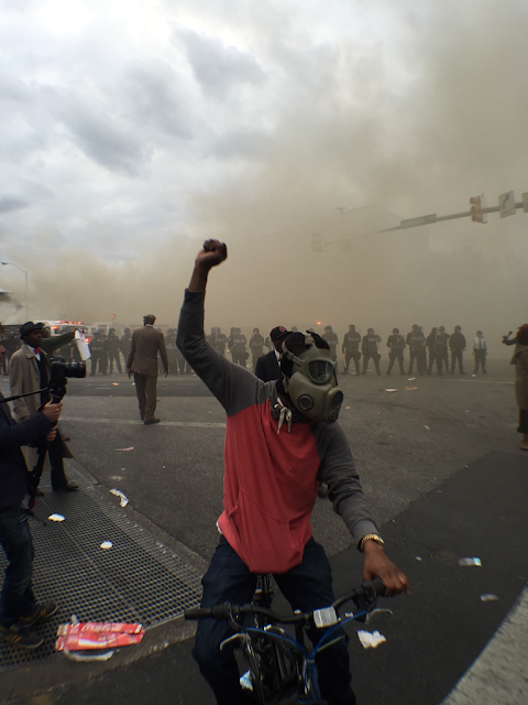 Baltimore, protester in gas mask #baltimore #riots