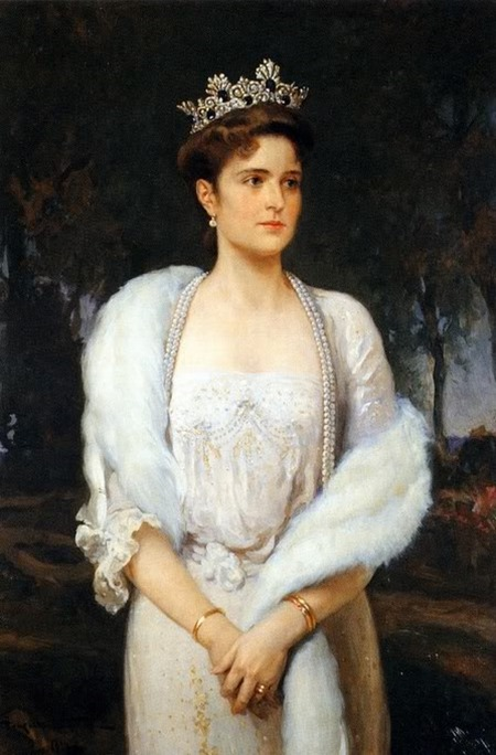 La zarina y su maravillosa tiara de zafiros y brillantes