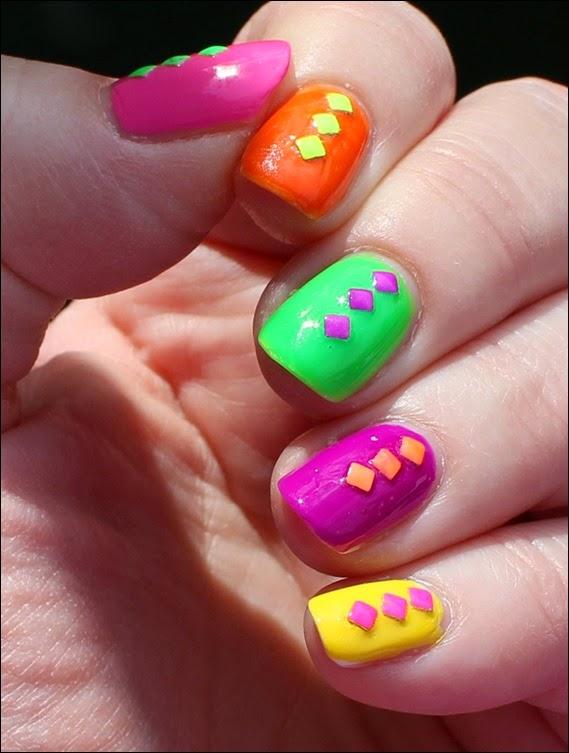 Farbspiel Neon Shuffle Nail Art Nageldesign Studs 02