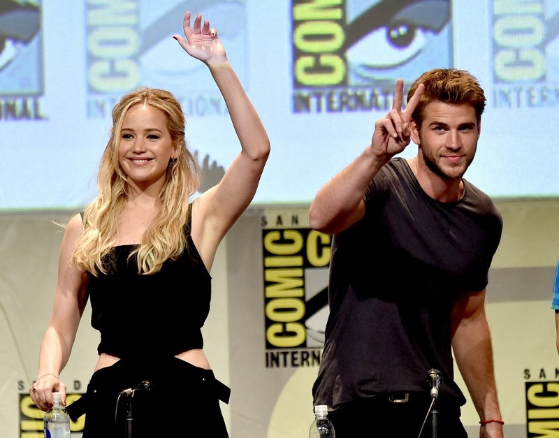 Comic Con International 2015 Hunger Games Auu3Req6GHex (800x627)