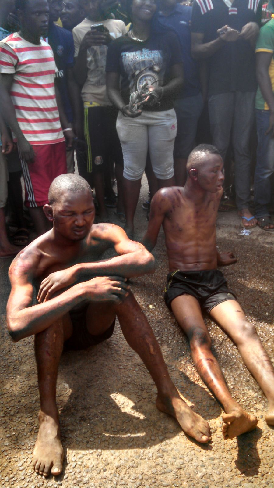 Photos: Two Thieves From Benin Caught In Obafemi Awolowo University