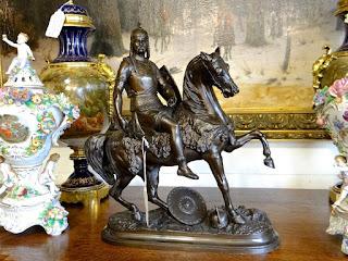 Антикварная бронзовая скульптура. ок.1900 г. Бронза, патина. Высота 30 см.