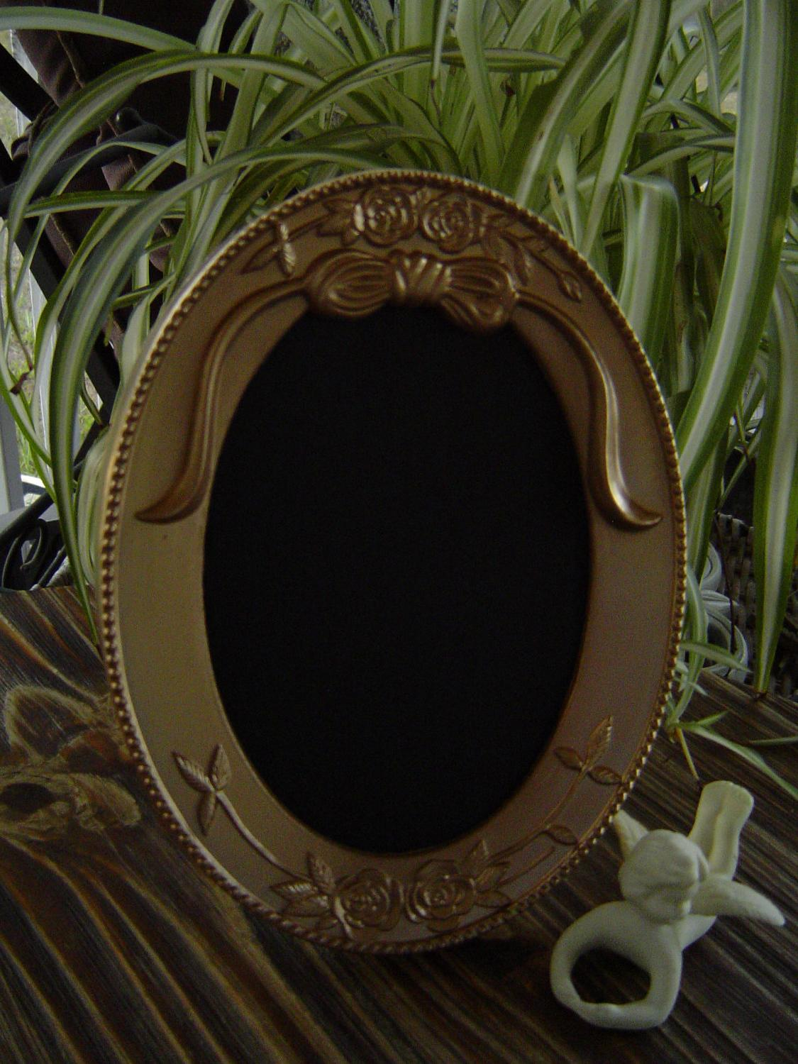 Fancy Ornate GOLD Frame.