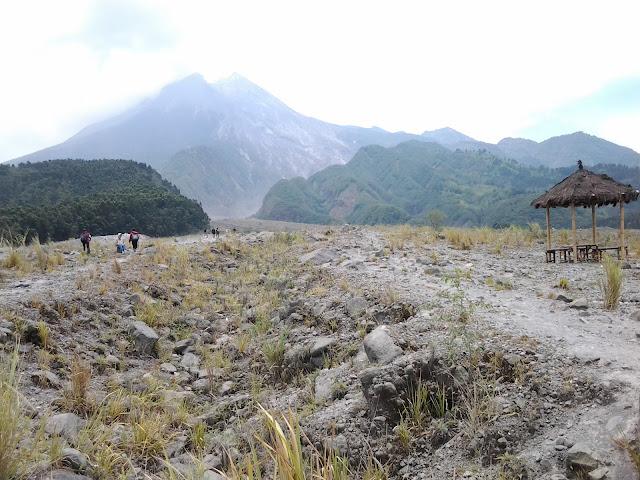 Percutian ke Yogjakarta. Tempat menarik di Yogjakarta - Mount Merapi