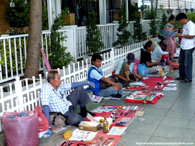 mercado-antigüedades-bangkok.JPG