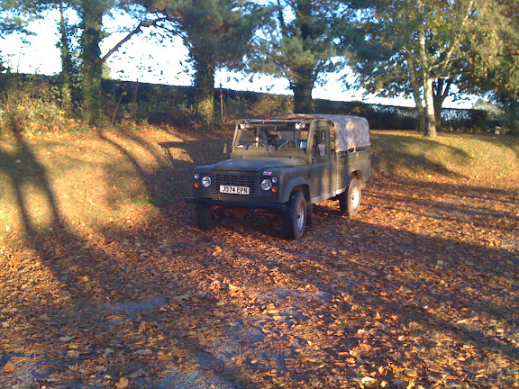 The Landrover blends in with the Autumn colours...