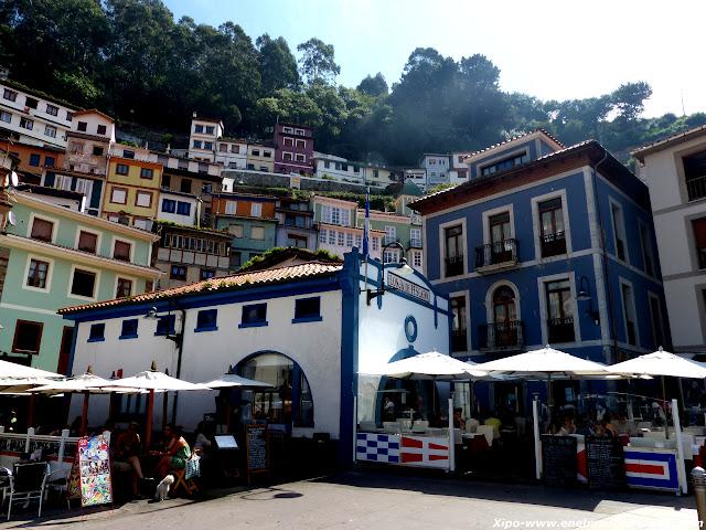 plaza-cudillero-asturias.JPG