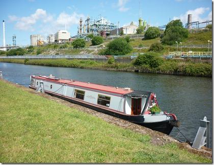 15 moored at marsh lock pontoon