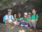 Los Castores bajo la gran roca