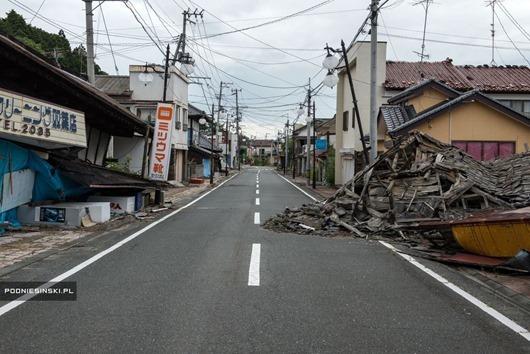 fukushima-desertedstreets.jpg.990x0_q80_crop-smart