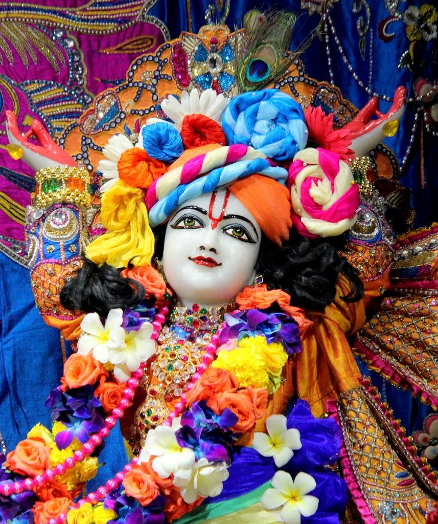 ISKCON Juhu Sringar Deity Darshan 14 Jan 2016 (18)