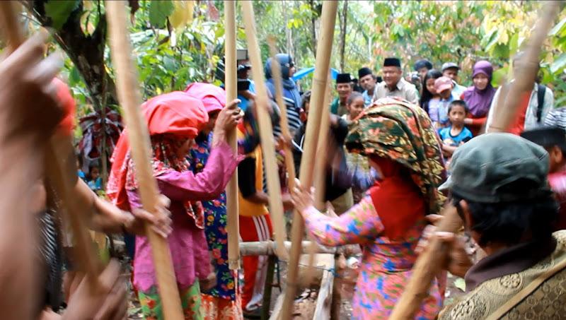 tradisi mappadendang suku pattae
