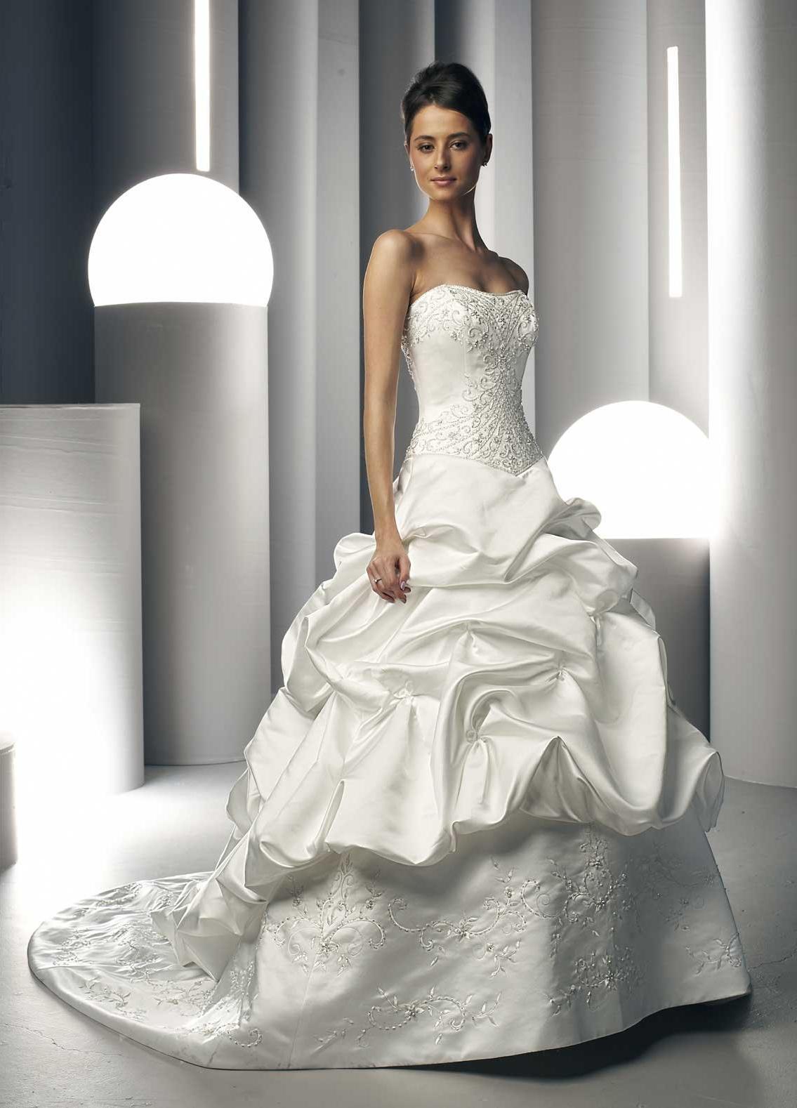 curly wedding dress