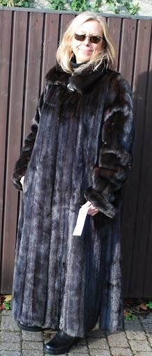 neu black nerz mink mantel echt pelz fell fellmantel. Black Bedroom Furniture Sets. Home Design Ideas