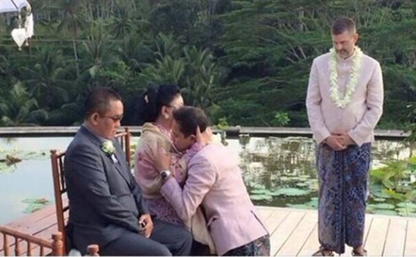 pernikahan sejenis di bali indonesia.jpg