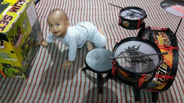 Drum mainan baru untuk anak Dzal Aidi Fiqry