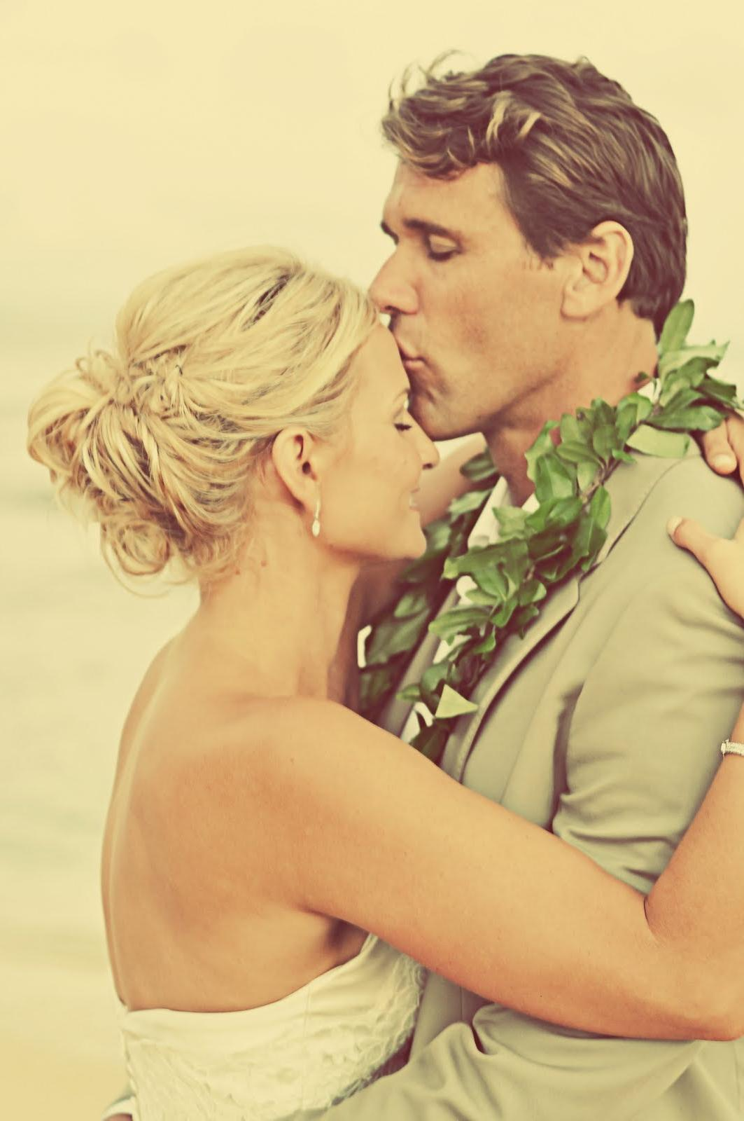 beach backyard wedding of