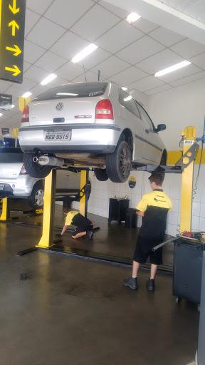 BS Autocenter Dunlop Itajaí, Av. Irineu Bornhausen, 739 - São João, Itajaí - SC, 88304-000, Brasil, Loja_de_Pneus, estado Santa Catarina