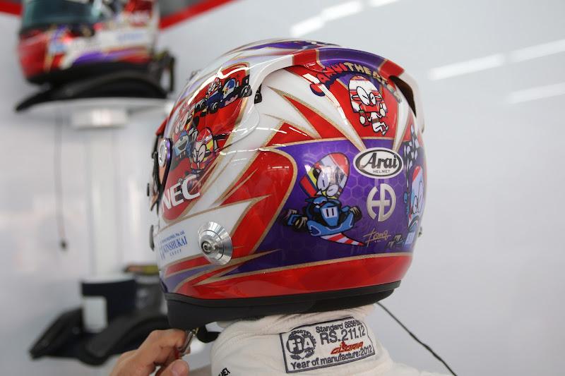 специальный дизайн шлема Камуи Кобаяши на Гран-при Кореи 2012