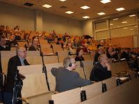 C. Kolthoff z zainteresowaniem wysłuchał wykładu dr R. Karczmarczyka reprezentującego grupę VetBiznes