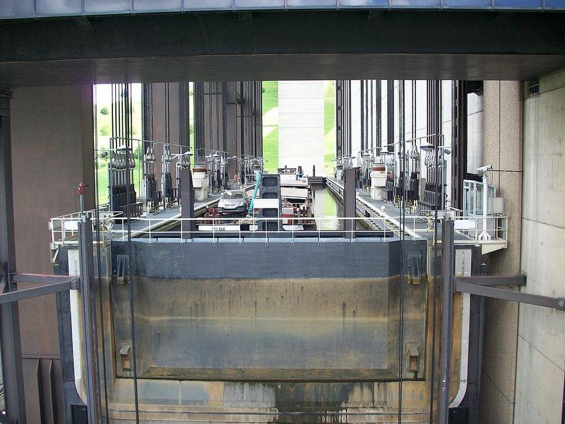 strepy-thieu-boat-lift-7